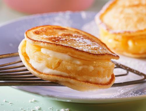 american pancakes mit ananas und kokoscreme rezept mondamin. Black Bedroom Furniture Sets. Home Design Ideas
